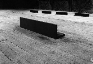 steel 4x (100x20x20). Cast iron, 60x60x240 cm Galleri Riis, 1987 Photo: Dag Alveng