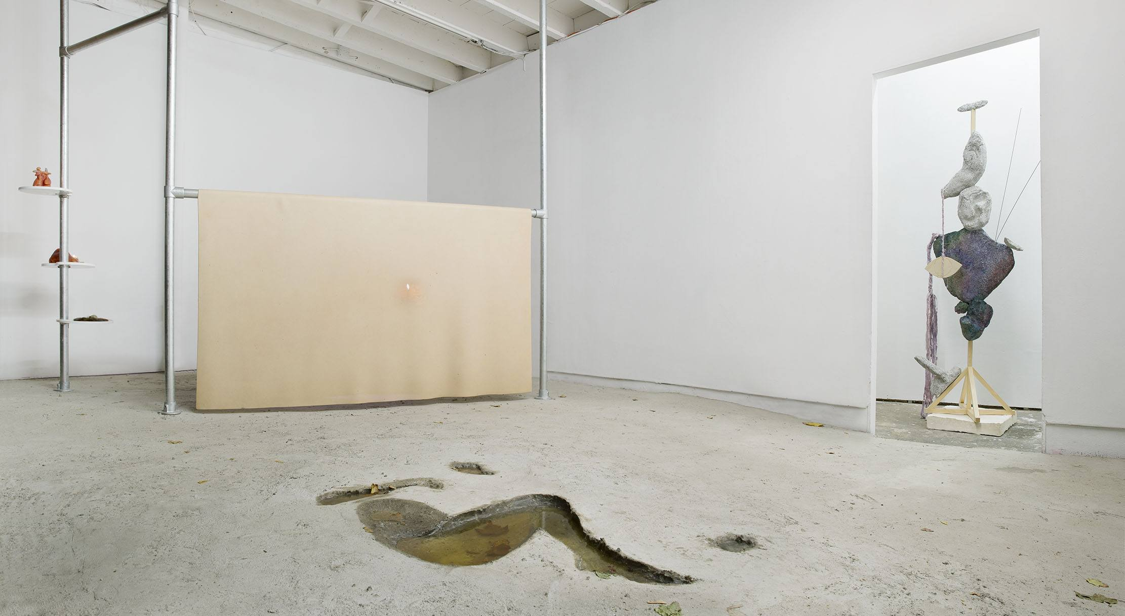 Permanent Construction, installation view. Photo by Guillaume Ziccadelli